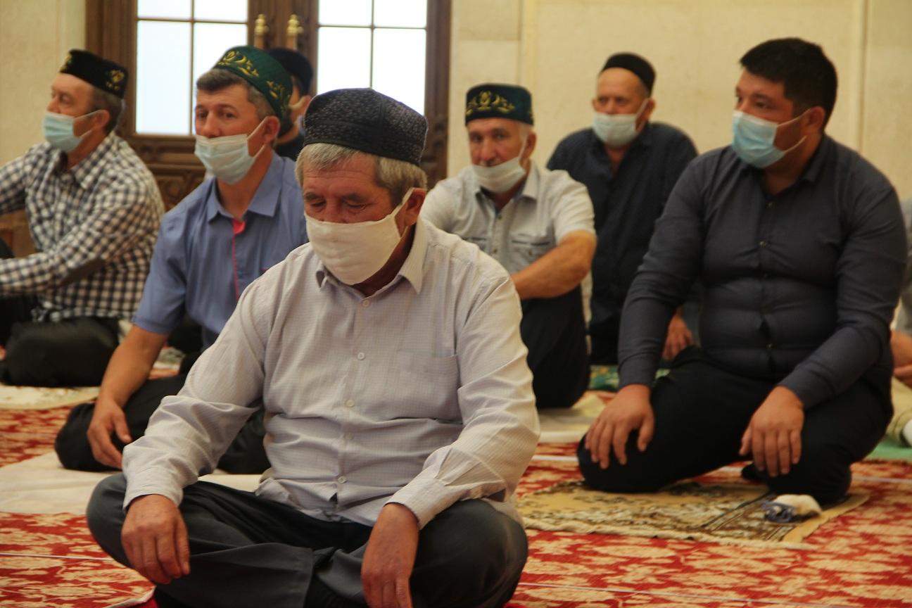 В Белой мечети Болгара состоялся праздничный намаз