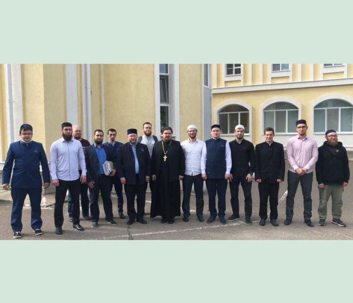 Делегация Болгарской исламской академии посетила Казанскую духовную семинарию